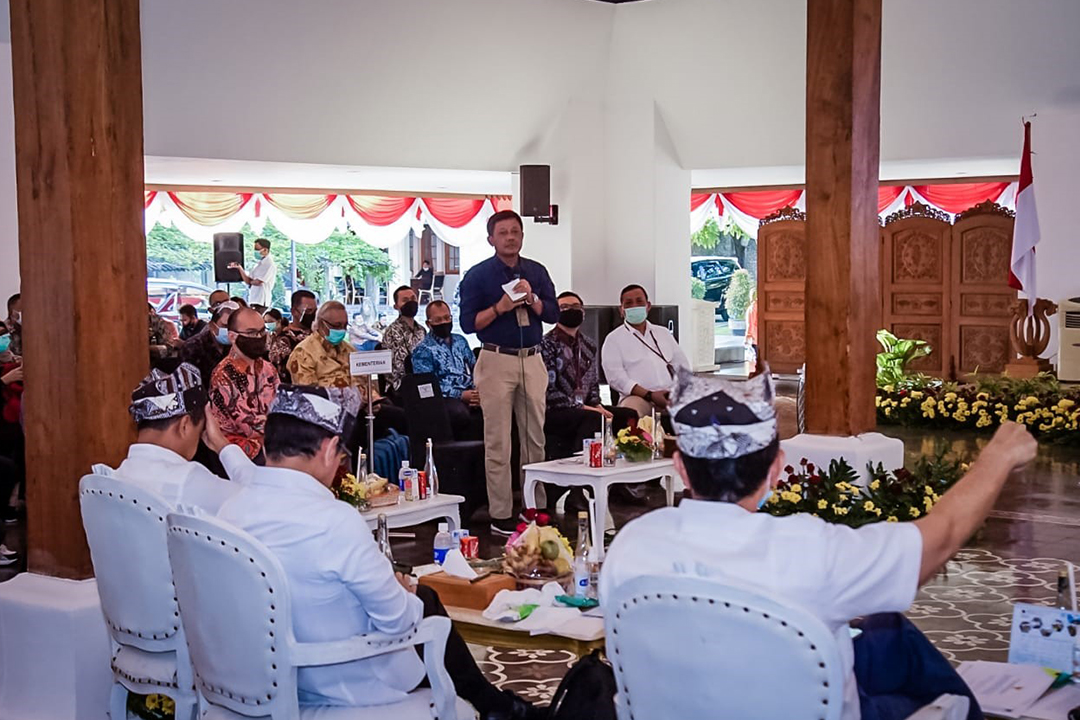 Sekretaris Kementerian BUMN Bapak Susyanto, menghadiri Rapat Koordinasi Penyelesaian Isu Pengembangan Pariwisata di Banyuwangi (29/4)