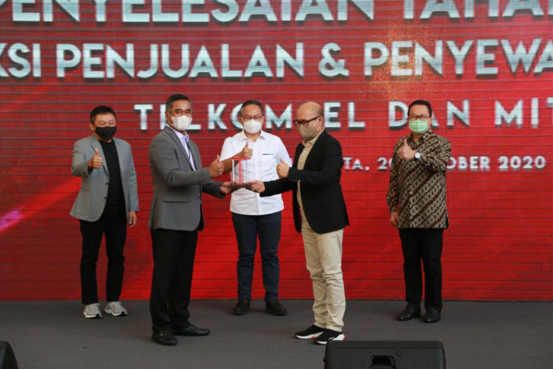 Wakil Menteri BUMN II Kartika Wirjoatmodjo menghadiri acara Kesepakatan antara Telkomsel dengan Mitratel hari Selasa ini (20/10).