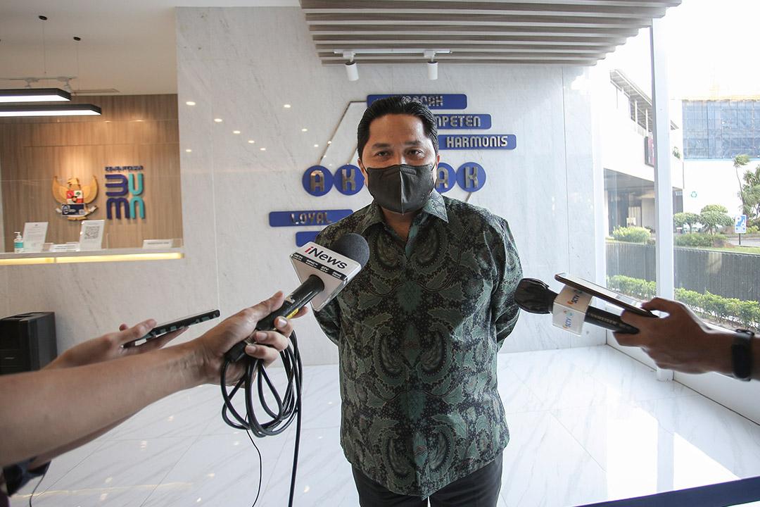 Menteri BUMN Melakukan konfersi pers di Lobby Gedung Kementerian BUMN
