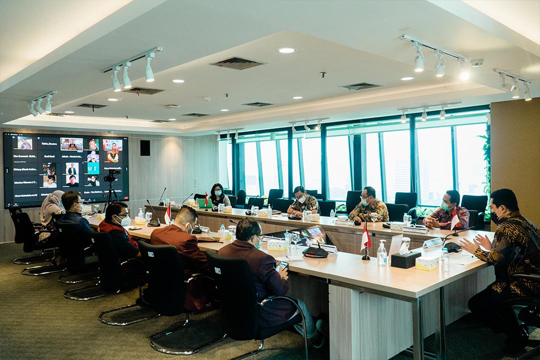 Menteri BUMN, Erick Thohir, bekerja sama dengan Ikatan Dokter Indonesia (IDI) dan Persatuan Perawat Nasional Indonesia