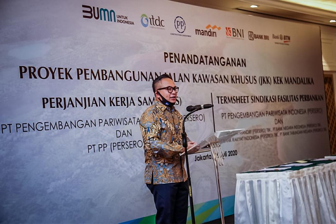 Penandatanganan PKS dilakukan oleh Direktur Utama ITDC Abdulbar M. Mansoer dan Direktur Utama PT PP Novel Arsyad dengan disaksikan oleh Wakil Menteri BUMN II Kartika Wirjoatmodjo, bertempat di Gedung Mandiri Club, Jakarta, Rabu (15/7/2020