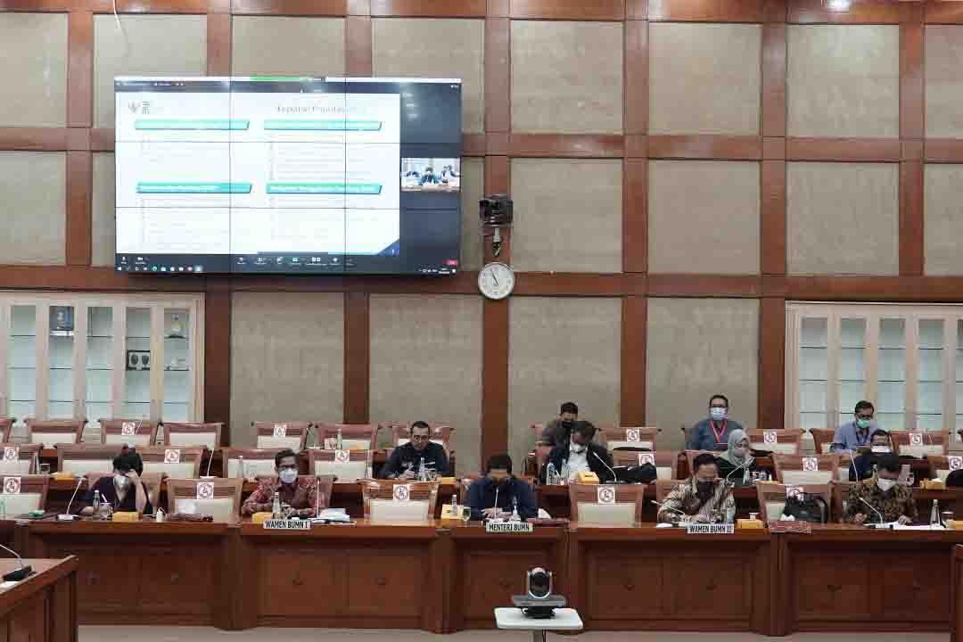 Menteri BUMN Erick Thohir  menghadiri Rapat Kerja (Raker) dengan Komisi VI DPR RI.