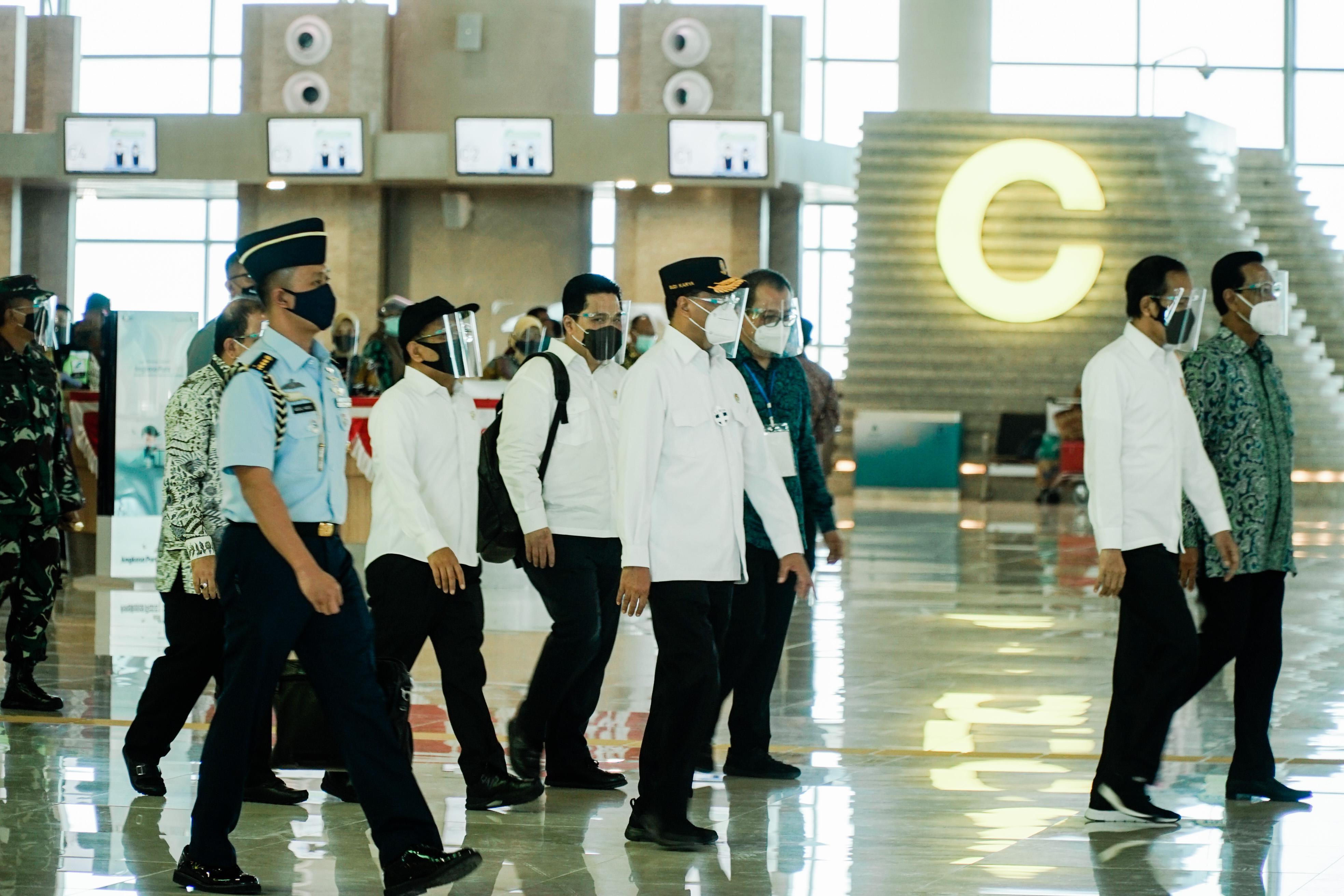 Presiden Joko Widodo hari ini, Jumat (28/8) meresmikan Yogyakarta International Airport (YIA) disertai dengan pengoperasian menara airnav Indonesia, dan sistem peringatan dini tsunami yang berada di kabupaten Kulon Progo.
