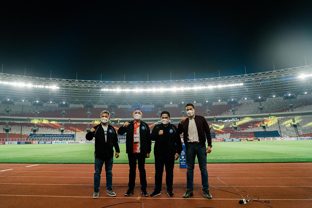 Menteri BUMN Erick Thohir menghadiri pembukaan sepak bola BRI Liga 1 di Stadion Utama Gelora Bung Karno